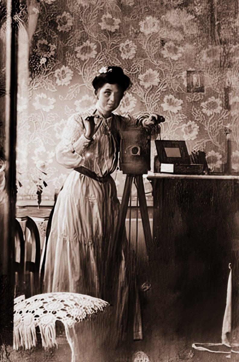 Vintage selfie - Old self-portrait of a woman with a big camera on a tripod (c1900) at ClickAmericana com