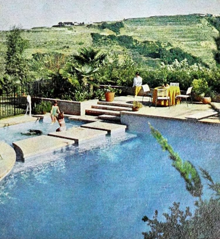 Vintage swimming pool design in Encino California