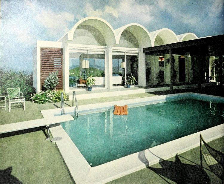 Vintage swimming pool from 1969 (1)