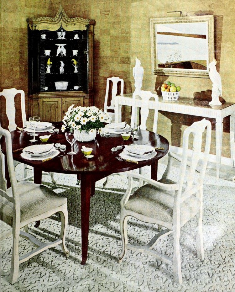 Vintage table decor from 1965 (6)