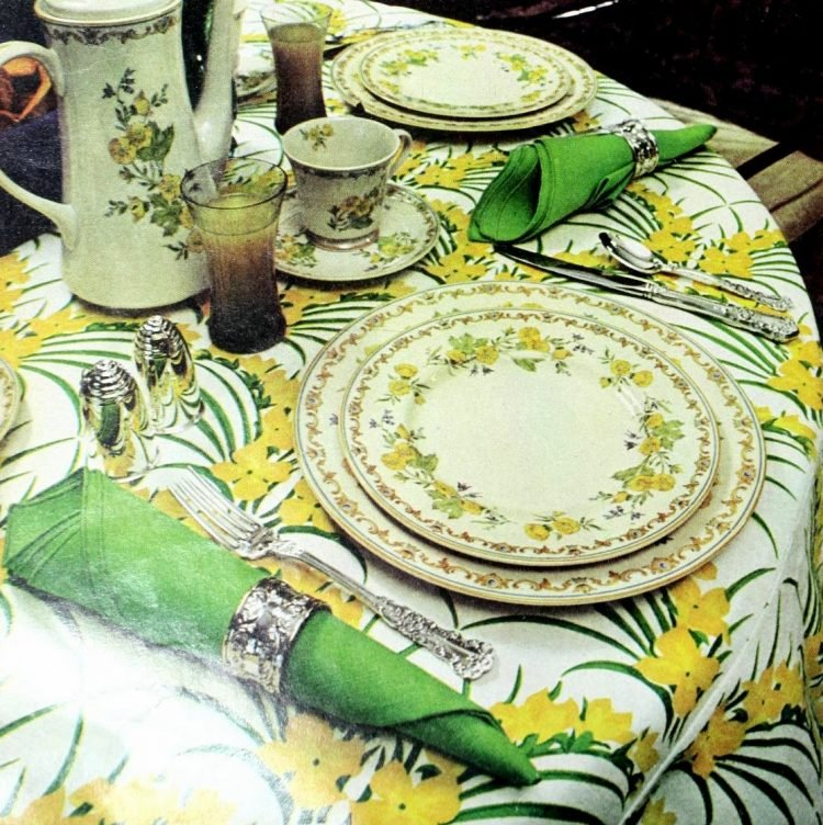 Vintage table setting ideas from the 70s - 1975 (24)