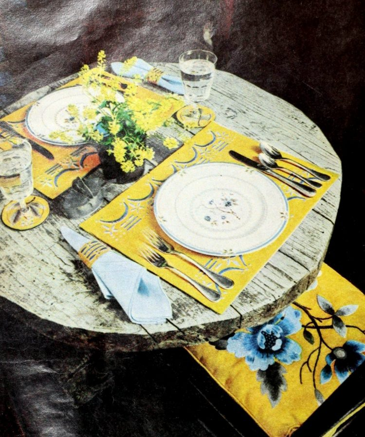 Vintage table settings from 1974 (16)