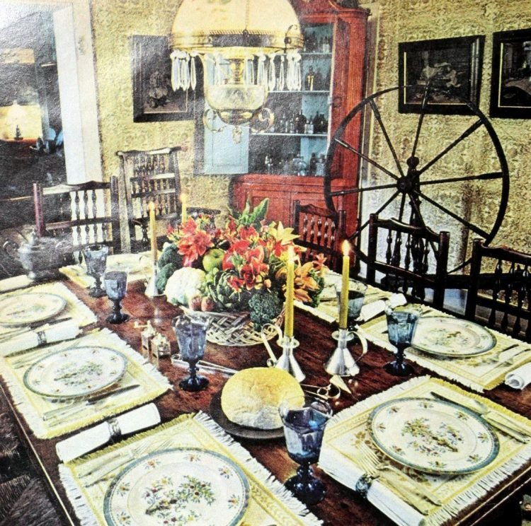 Vintage table settings from 1974 (18)