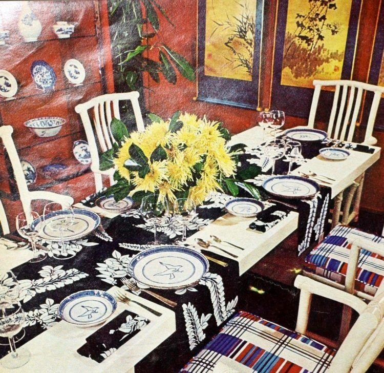 Vintage table settings from 1974 (2)