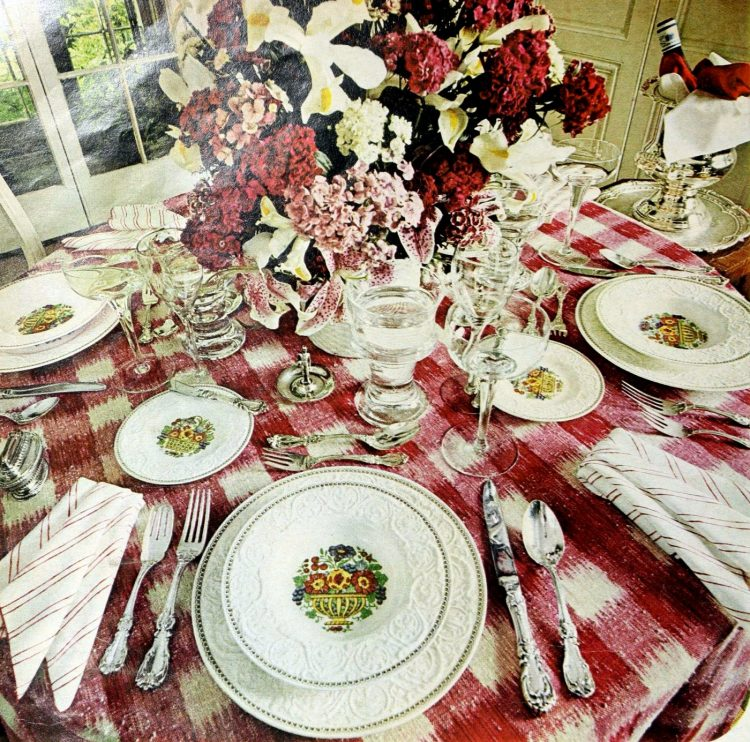Vintage table settings from 1974 (20)