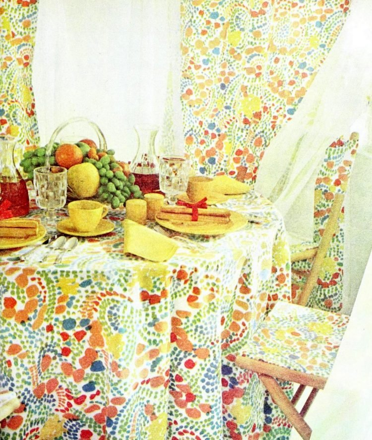 Vintage table settings from 1974 (5)
