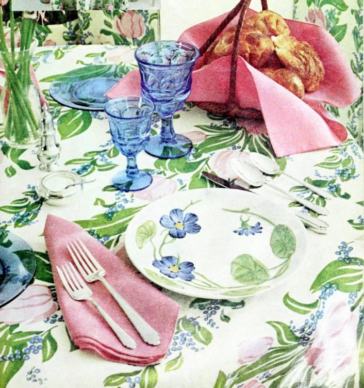 Vintage table settings from 1974 (8)