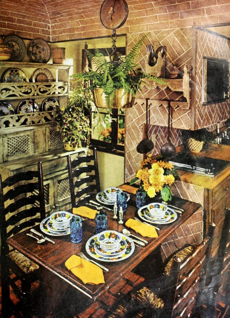 Vintage tablesettings from 1976 (9)