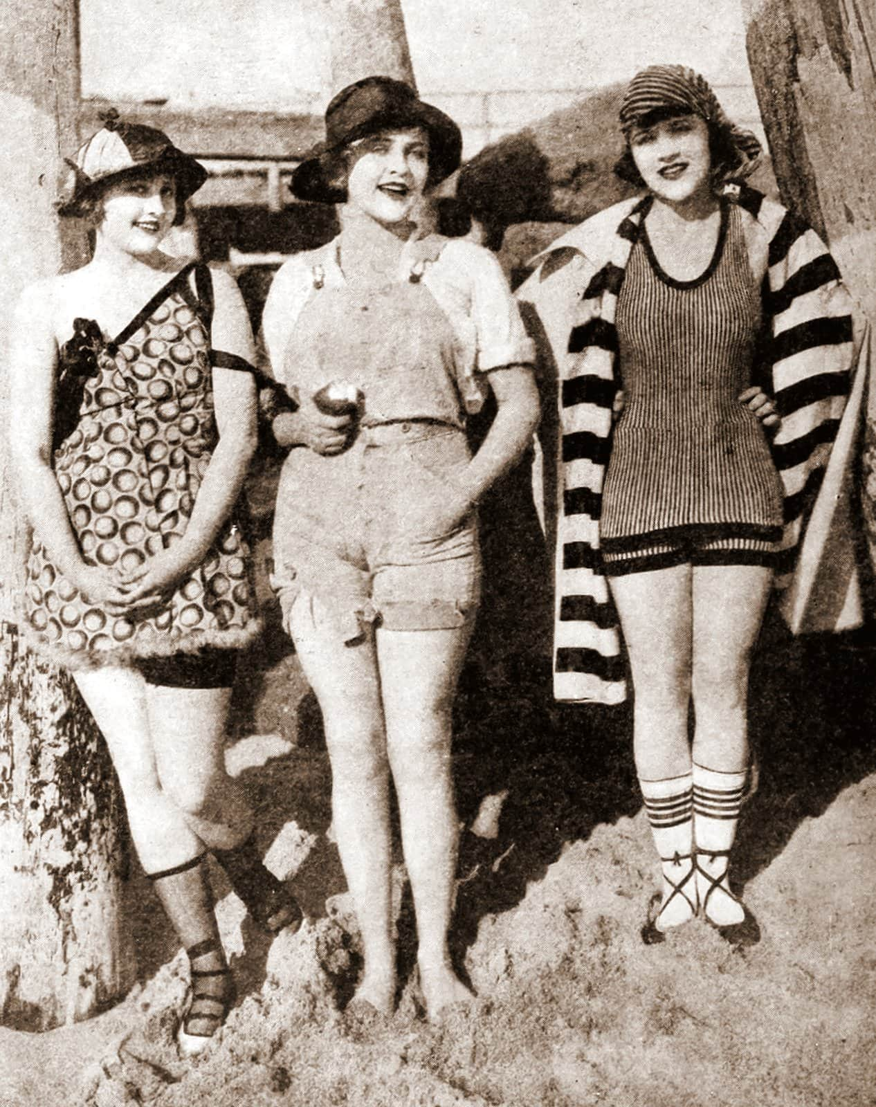 Vintage women in swimsuits (1924)