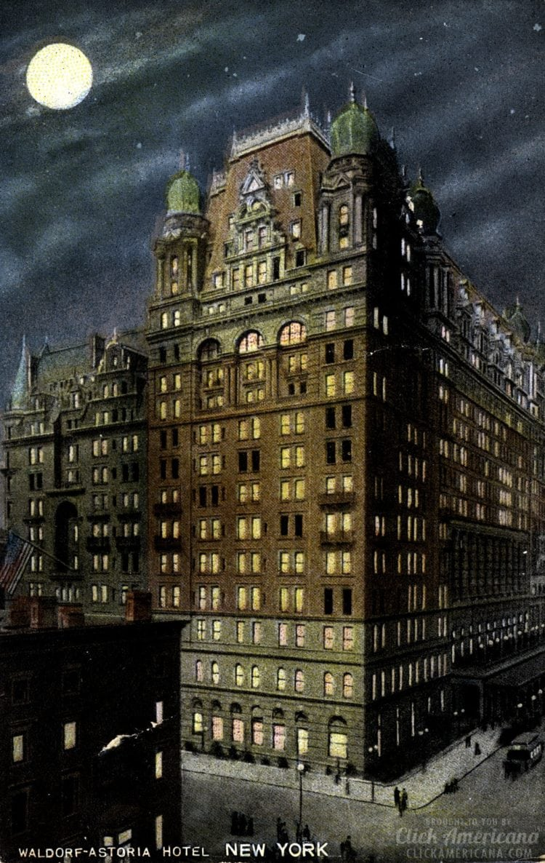 Waldorf-Astoria Hotel in New York at night - 1908