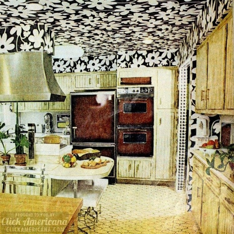 Vintage kitchen wallpaper with large white flowers on a black background