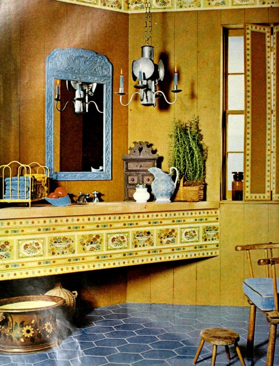 Bathroom with wallpaper from 1964