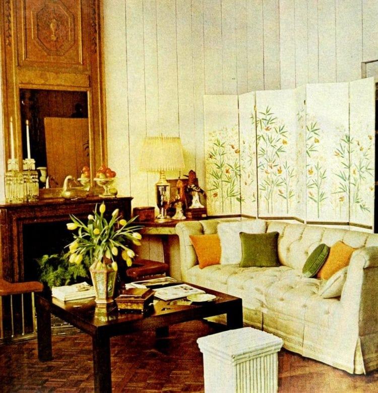 Old wallpaper decor tips