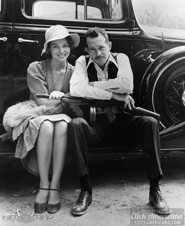 Warren Oates And Michelle Phillips In Dillinger (1973)