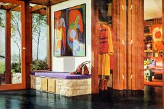 Ways to decorate entrance halls with midcentury style