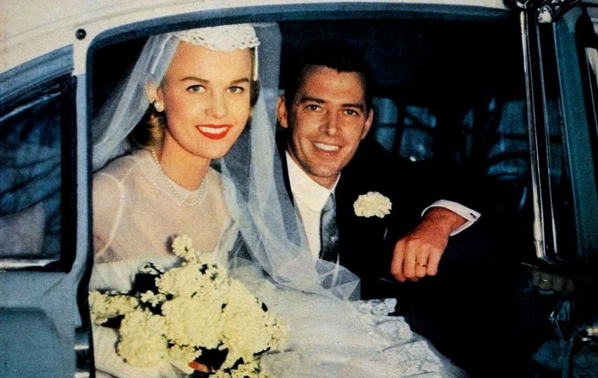 Wedding in the 1950s - newlywed couple