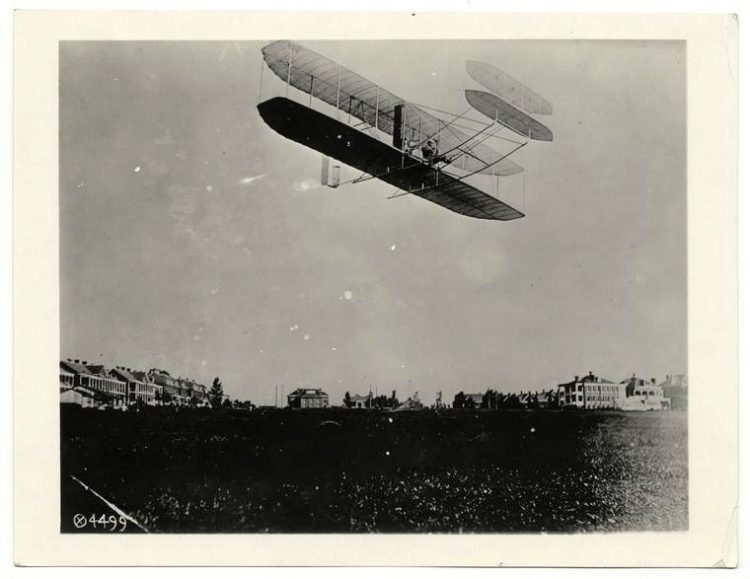 Wilbur Wright airplane (early).