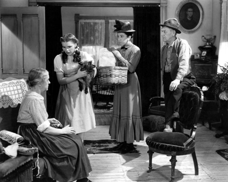 Wizard of Oz 1939 - Clara Blandick, Judy Garland, Terry, Margaret Hamilton, Charlie Grapewin