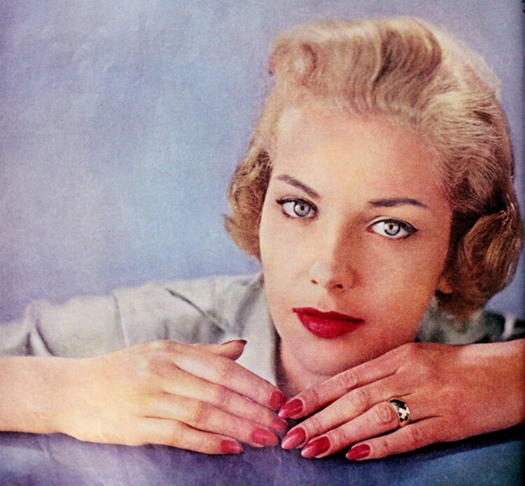 '50s eye makeup tips frim 1959