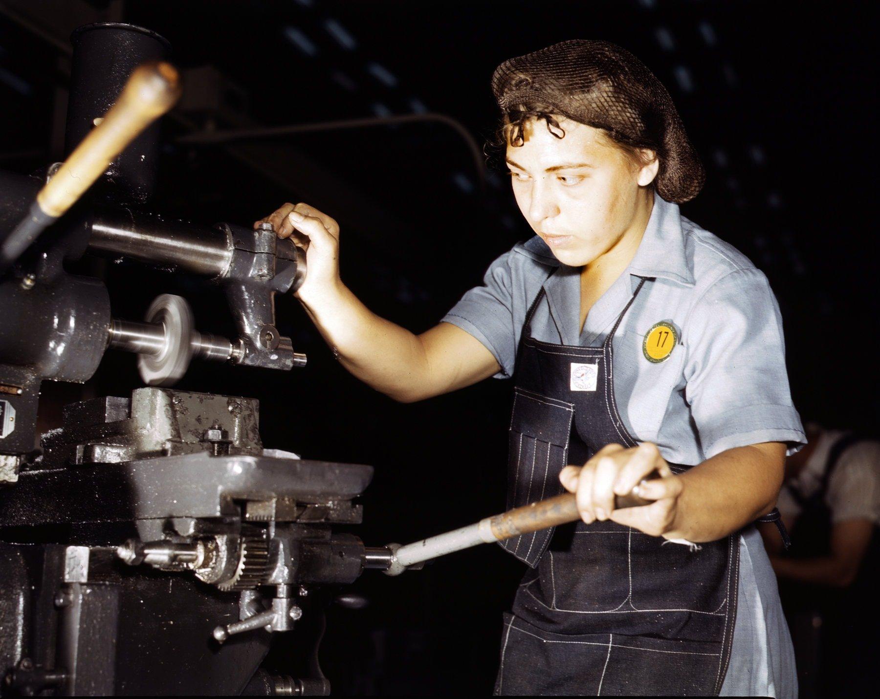 WWII airplane builder Rita Rodriguey at work