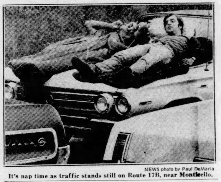 Woodstock traffic at standstill - Newspaper August 1969