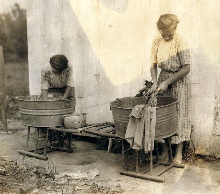 Zelina and Florence Richards doing the family wash in Kentucky 1916