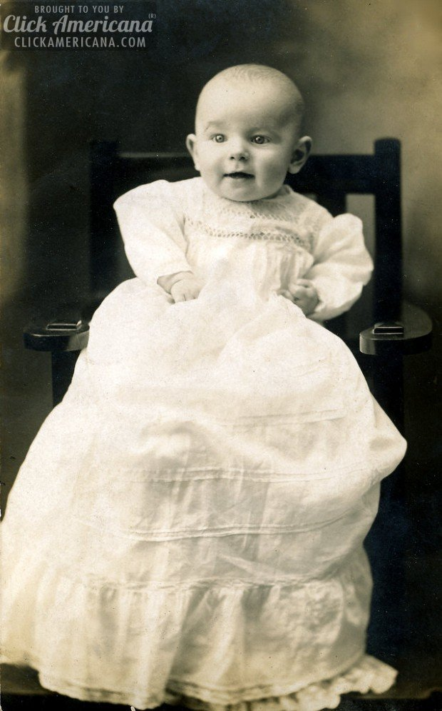 antique-portrait-baby-chair