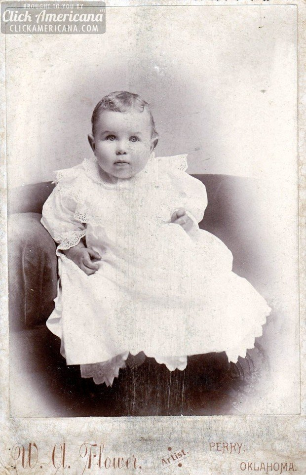 baby-cabinet-card-portrait-Shelly