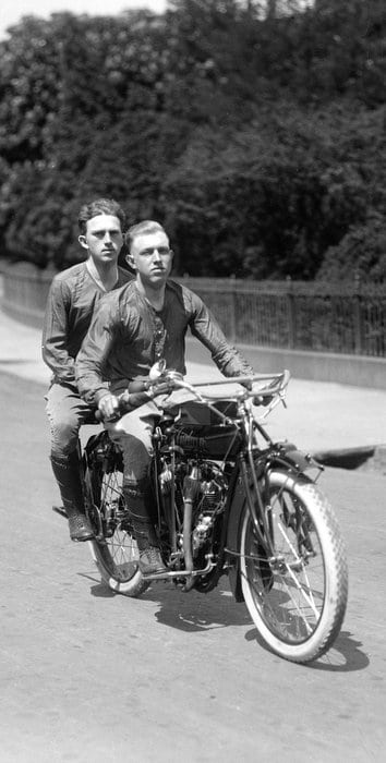 Boys take cross-country motorcycle adventure (1915)