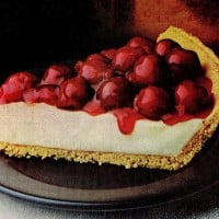 Cheery cherry cheese pie recipe: A retro homemade no-bake cherry cheesecake pie from the '70s