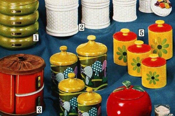 Dozens of kitschy '70s kitchen accessories your mom or grandma probably used to have