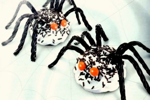 Halloween cupcakes – a spider, monster, witch, pumpkin & more – will charm a crowd (1990s)