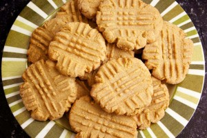Easy peanut butter cookies: 3 & 4-ingredient recipes made with biscuit mix