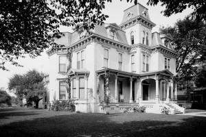 Beautiful Victorian homes & mansions in old Detroit (early 1900s)