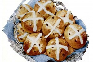 Old-fashioned hot cross buns: Classic recipes from 1912