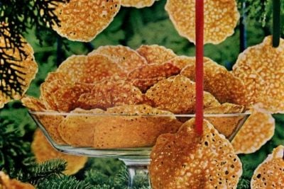 Make super-thin Karo lace cookies with this vintage recipe from 1965