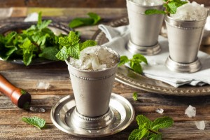 100 years of the best old-fashioned mint julep recipes (1862-1962)