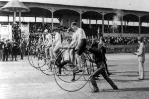 A penny-farthing bicycle race (1890)