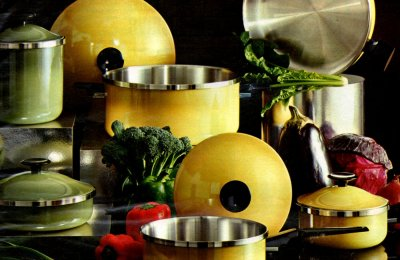 Retro pots & pans in the best '70s colors, like avocado & harvest gold