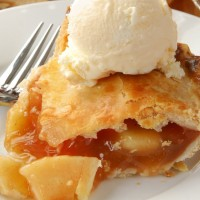 Johnny Appleseed Pie recipe: Vintage-style apple pie made with maple syrup (1972)