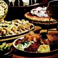 Retro Thanksgiving recipes: Turkey fondue, Ham crepes, Caramel rum pumpkin cake & more (1974)