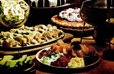 Retro Thanksgiving recipes: Turkey fondue, Ham crepes, Caramel rum pumpkin cake & more (1974)