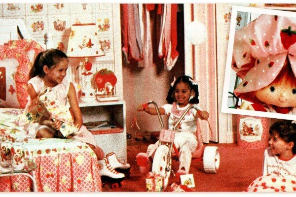 The ultimate over-the-top Strawberry Shortcake room makeover An explosion of pink and cute from 1982