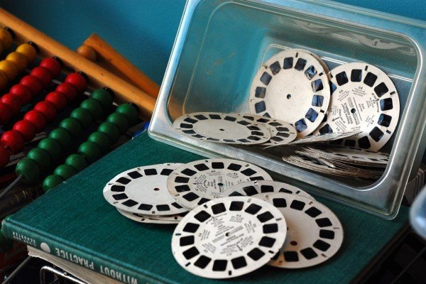See dozens of vintage View-Master reels & viewers: Classic toys that made color pictures come to life