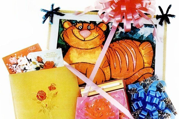 Remember these vintage Hallmark notecards & stationery sets from the '60s & '70s?