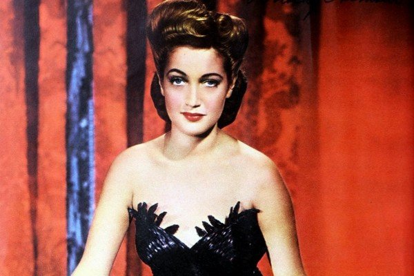 How vintage actress Dorothy Lamour sold more than $300 million in war bonds during WWII