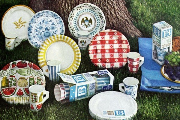 Disposable paper plates & party decor like this became all the rage in the '60s