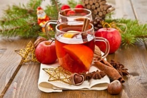 17 old-fashioned hot punch recipes for the holidays to warm your winter – including traditional wassail