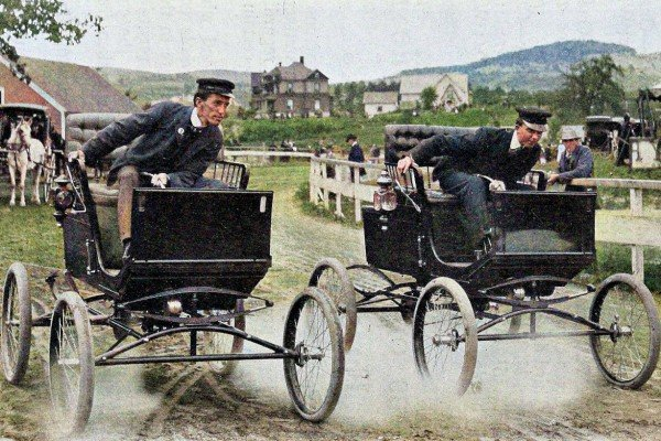 Whipple and Clinton racing Locomobiles (1900) - Colorized