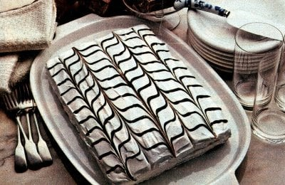 A retro chocolate & vanilla pretty party cake (1982)